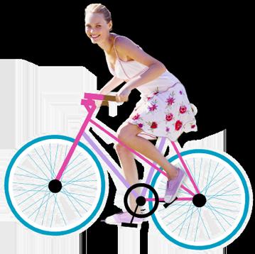Billede af en ung kvinde der cykler.
